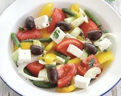 grecheskij salat s brinzoj