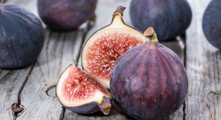 Инжир— польза ивред для здоровья, состав, калорийность, полезные свойства для организма человека