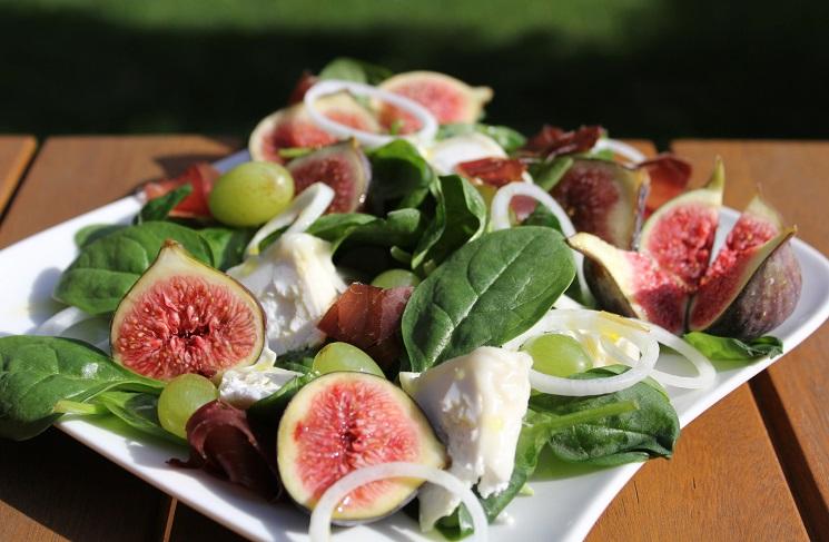 Инжир в салате