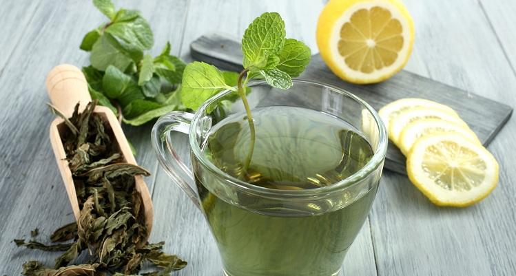 Зелёный чай с лимоном из заварки