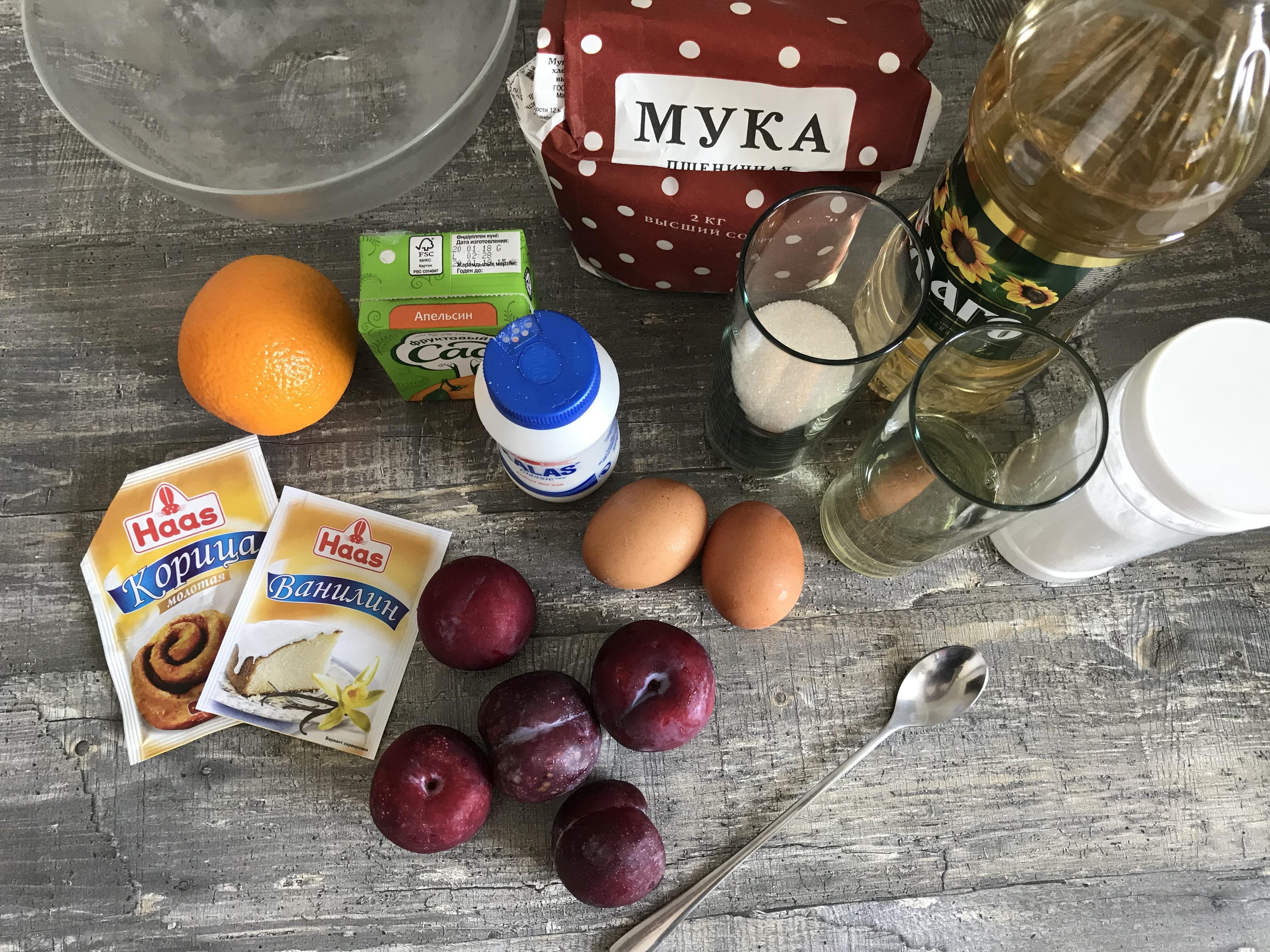 Ингредиенты для сливового кекса