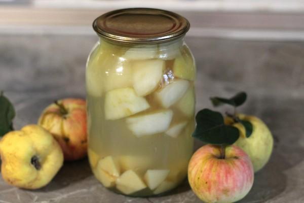 Яблочный компот дольками